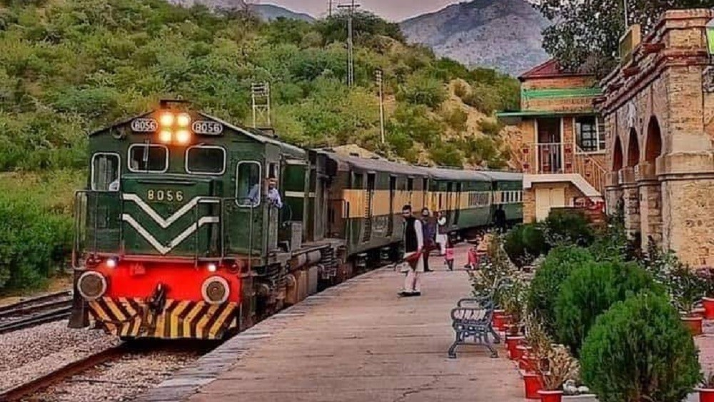 #Potohar region# Pakistan Railways# A safari tourist train is launched.